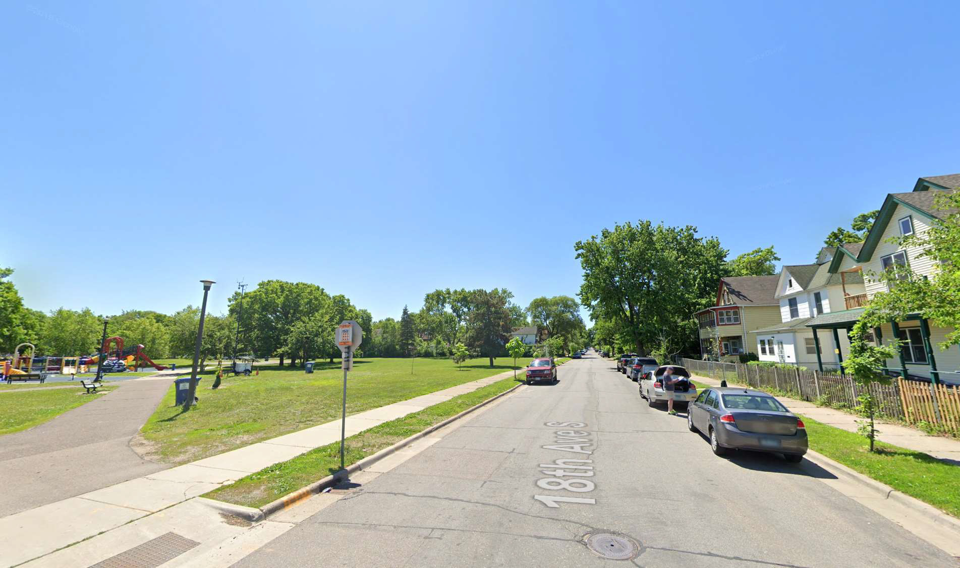 street view of very low opportunity neighborhood in Minneapolis, MN